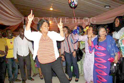 NNEOMA DANCING
