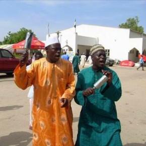 Okorocha presents vehicle to Sarkin Hausawa in Imo.