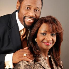 Last moments of Dr.Myles Munroe, wife and plane crew before fatal crash (Photos)