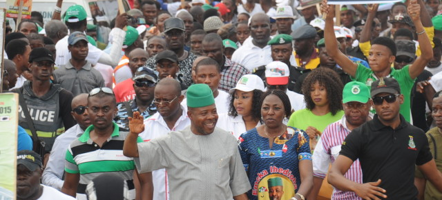 CAMPAIGN PHOTOS: Large crowd of supporters receive Team Ihedioha in Isiala /Ehime Mbano.