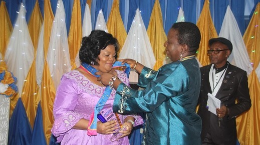 Imo First lady  receives Humanitarian Service Award